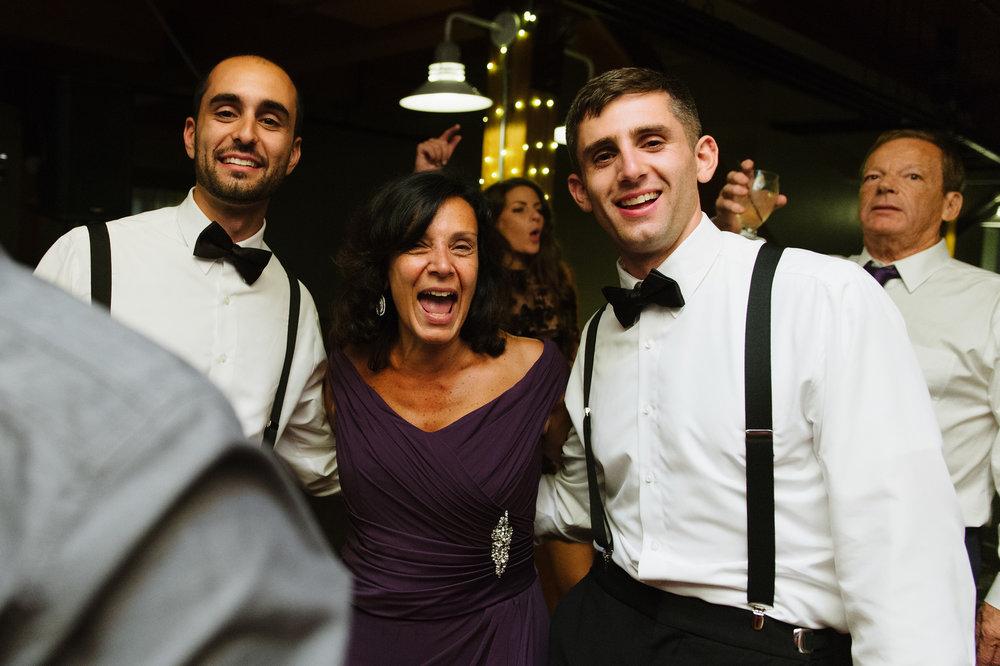 Candid-Wedding-Photography-Katie-Noble024.jpg