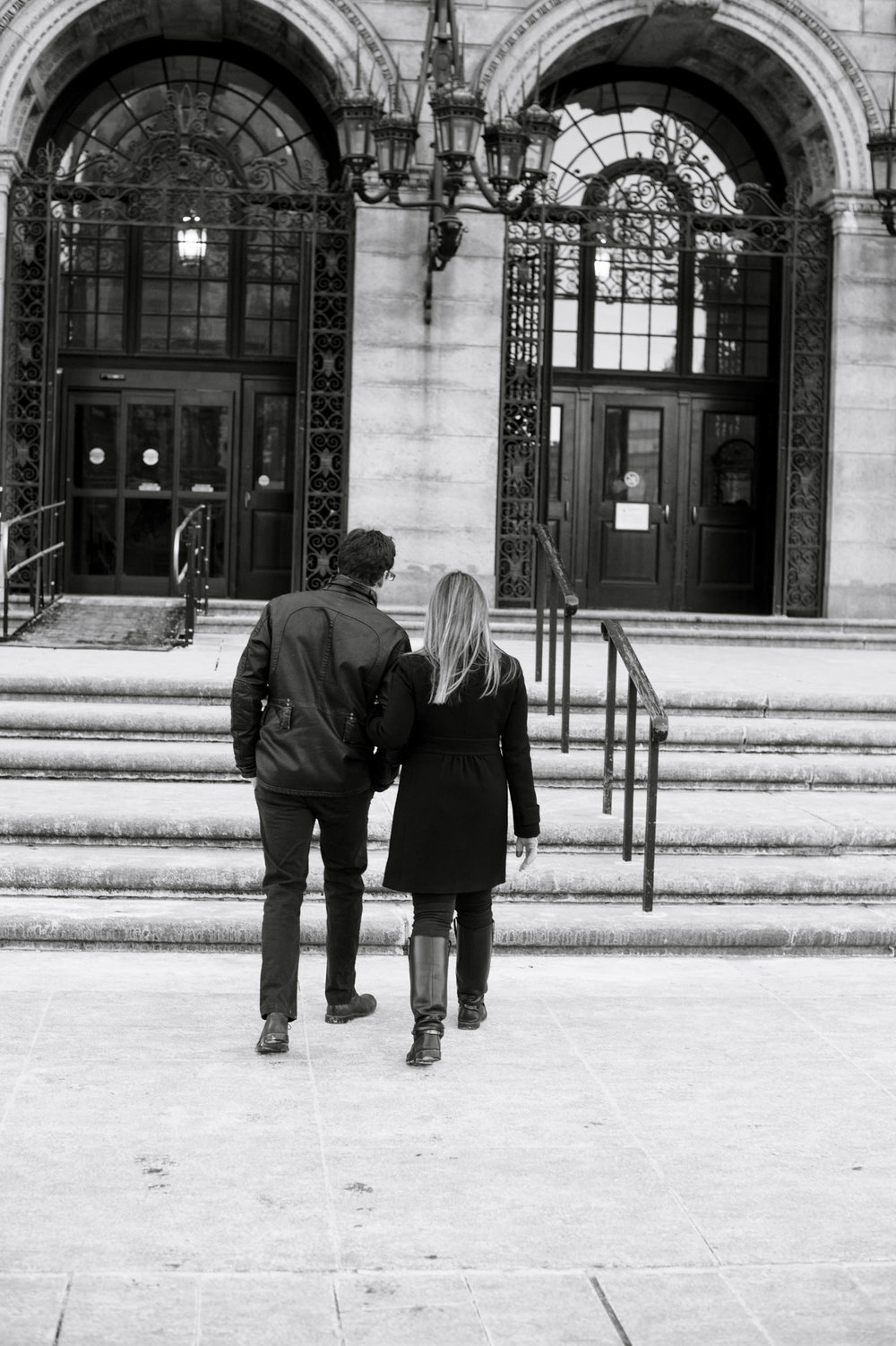 Engagement_Shoot_Boston_Public_Library003.jpg