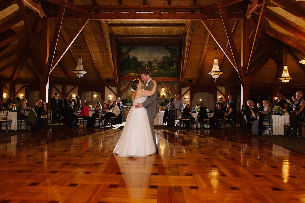 Tewskbury-Country-Club-Wedding037.jpg