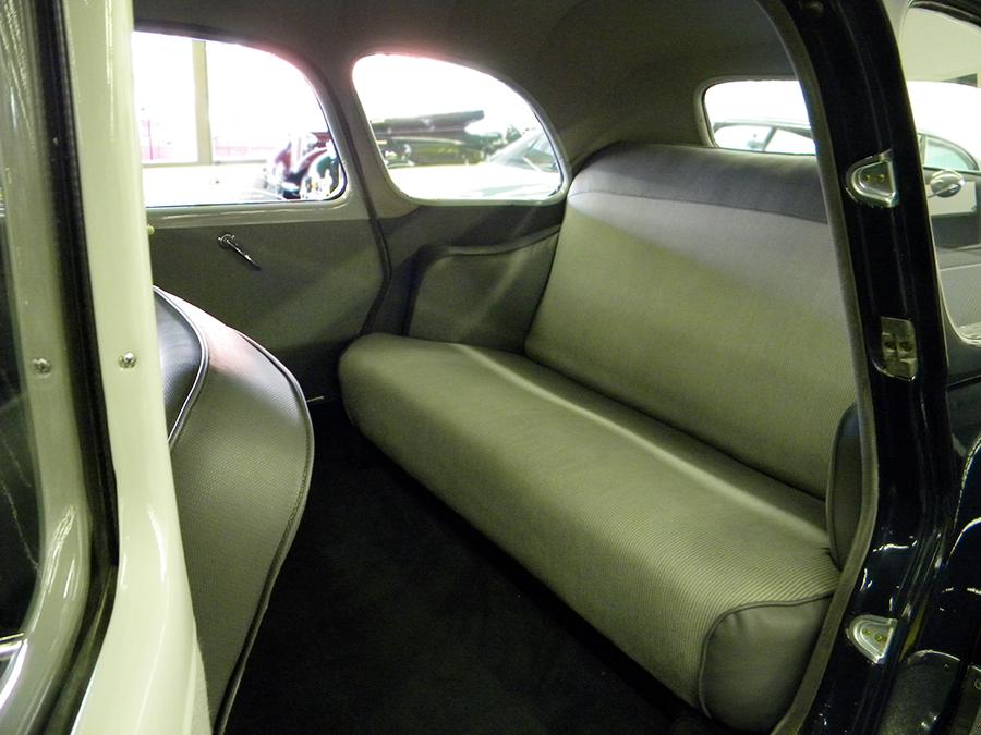 1956 Citroen Traction Avant back seat.jpg