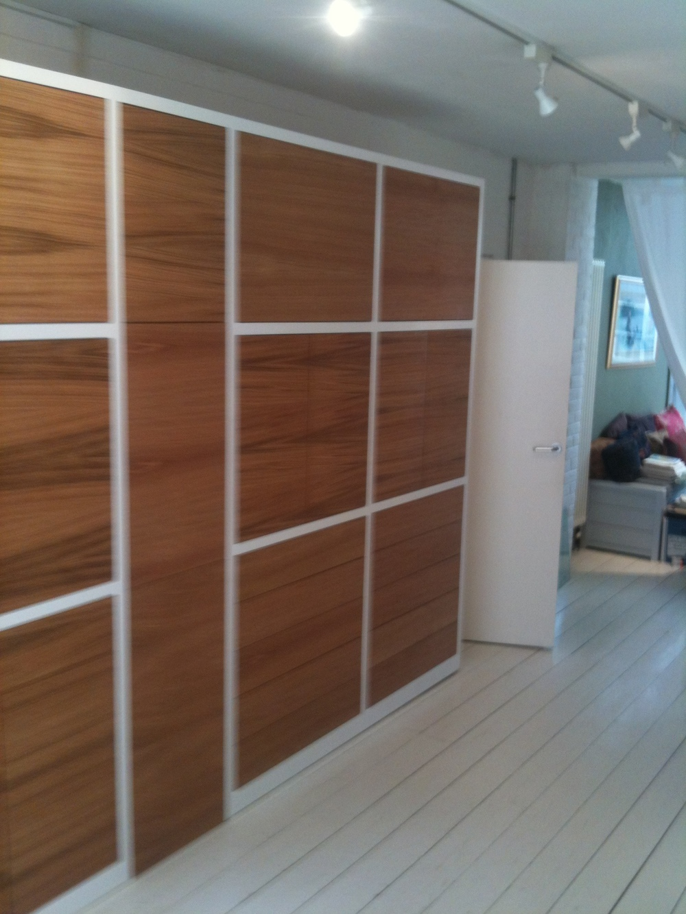 Office unit, painted MDF and oak veneer doors.JPG