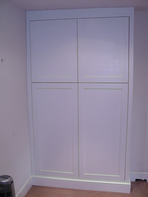 Bedroom wardobe, shaker style doors.JPG