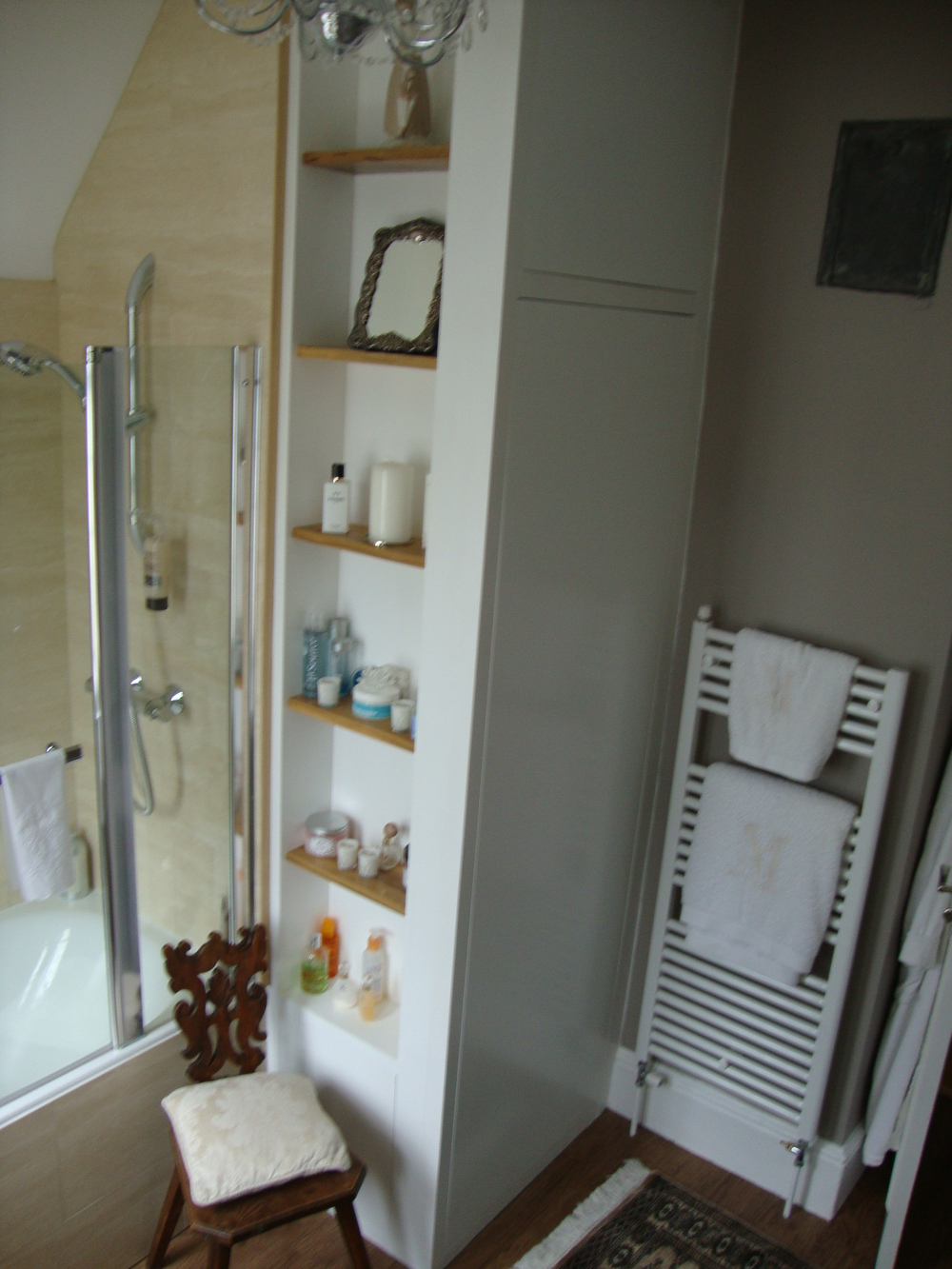 Bathroom shelving. airing cupboard.JPG