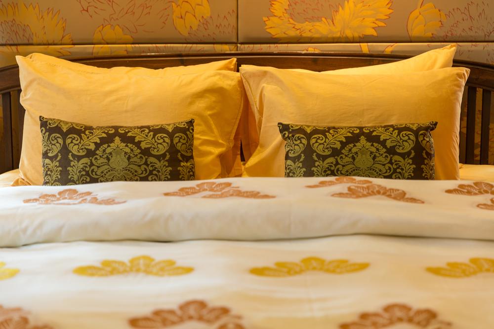 Shambala-24-master-bedroom-8.jpg