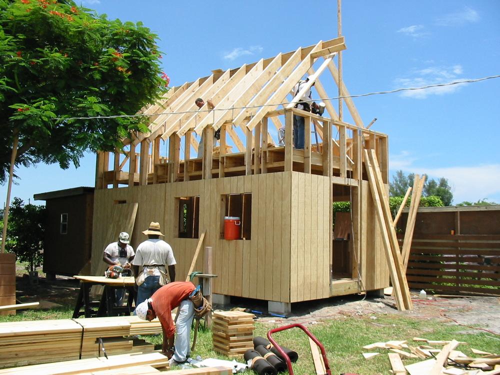 cabin building.jpg