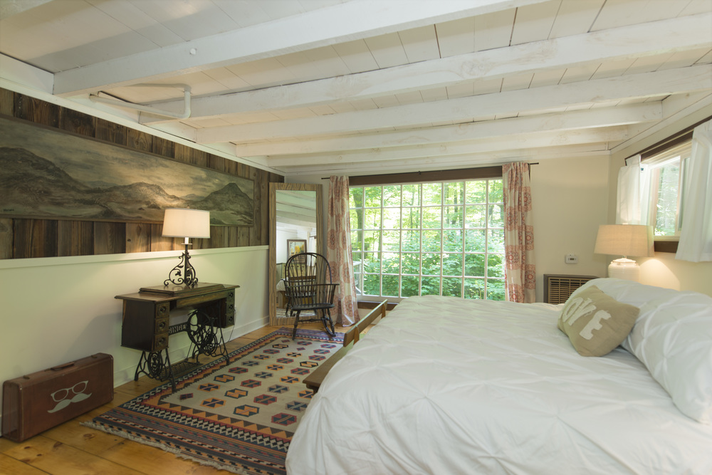 Waterfall Cabin_Bedroom(2).jpg