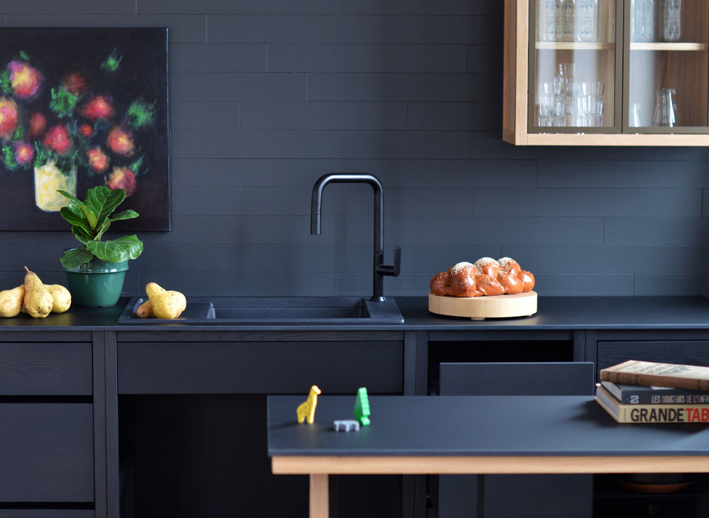 Coquo, la cuisine repensée. Coquo, the redesigned kitchen.