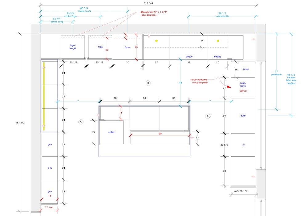 - La rénovation de cette demeure de Hampstead est le fruit d'une refonte majeure de l'espace cuisine. L'aire de vie baigne dans la lumière et la cuisine ouverte sur la salle à manger prolonge l'effet spacieux de la pièce. Les niches de noyer noir compartimentent les zones de rangements et agrémentent l'esthétique de la cuisine.Matériaux: laque de polyuréthane blanche avec 30% de lustre, placage de noyer noir effet planche, dosseret & comptoir de quartz.