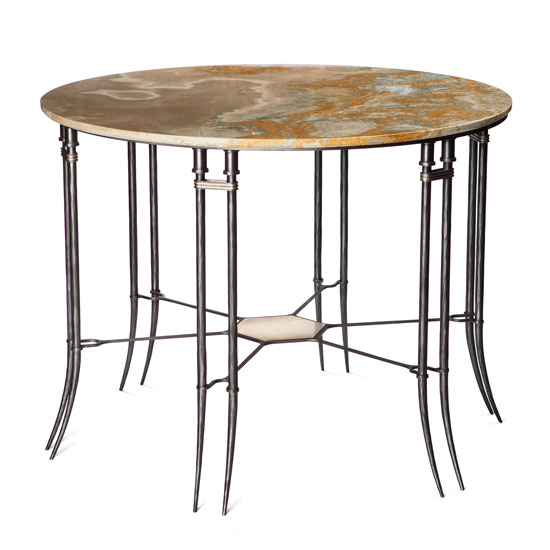 Moustique-Foyer-Table.jpg