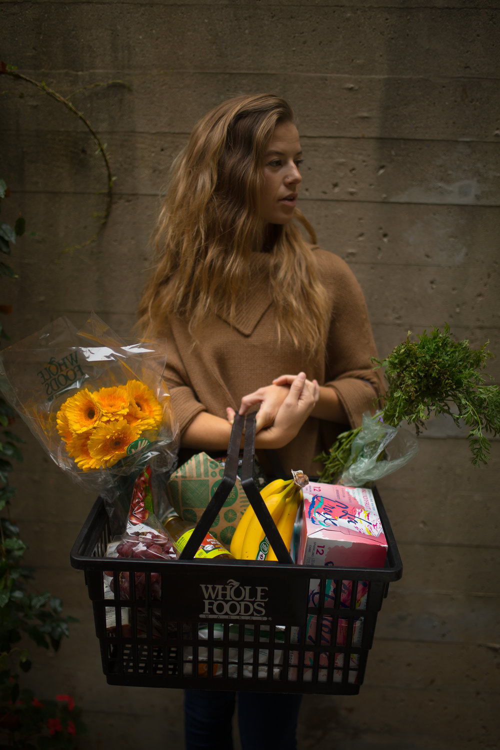 groceries_woman_whole_foods
