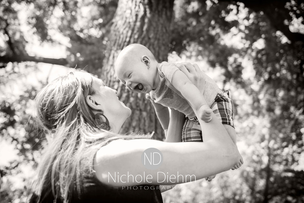 3-month-old-Photography-Big-woods-park-cedar-falls-bw.jpg