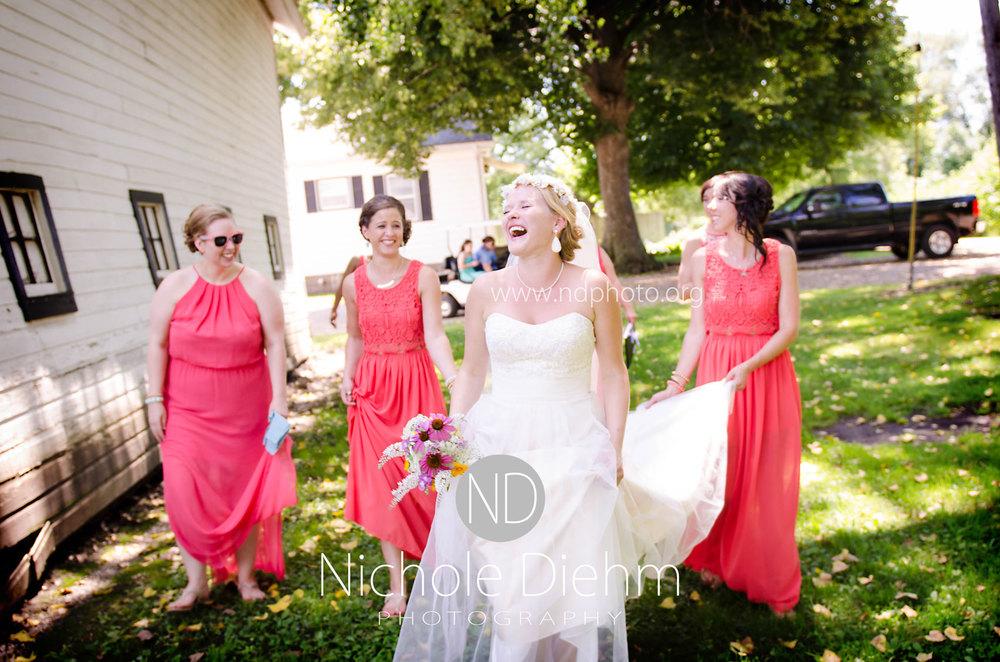 Sarah-and-Josh-Elsbecker-Outdoor-Wedding-Waterloo-Iowa-Photography-16.jpg