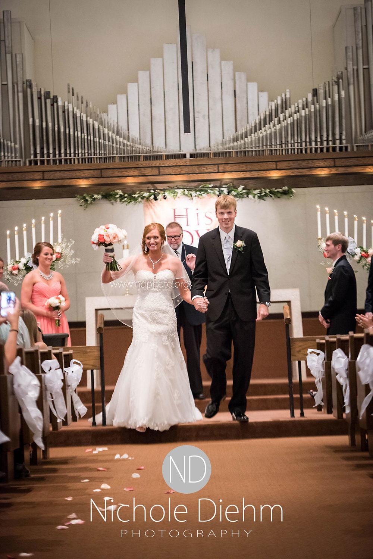 Brook-and-Stu-say-I-do-Cedar-Falls-Spencer-Iowa-ceremony.jpg