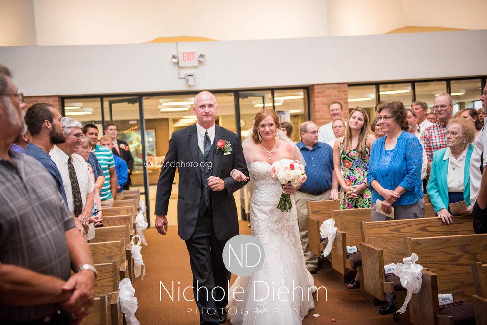 Brook-and-Stu-say-I-do-Cedar-Falls-Spencer-Iowa-ceremony7.jpg