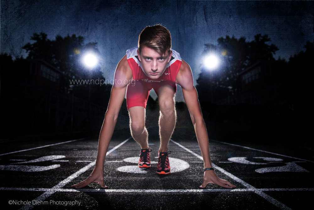 Senior-Photography-Cedar-Falls-Tigers-Gus-Track-Sports-running.jpg