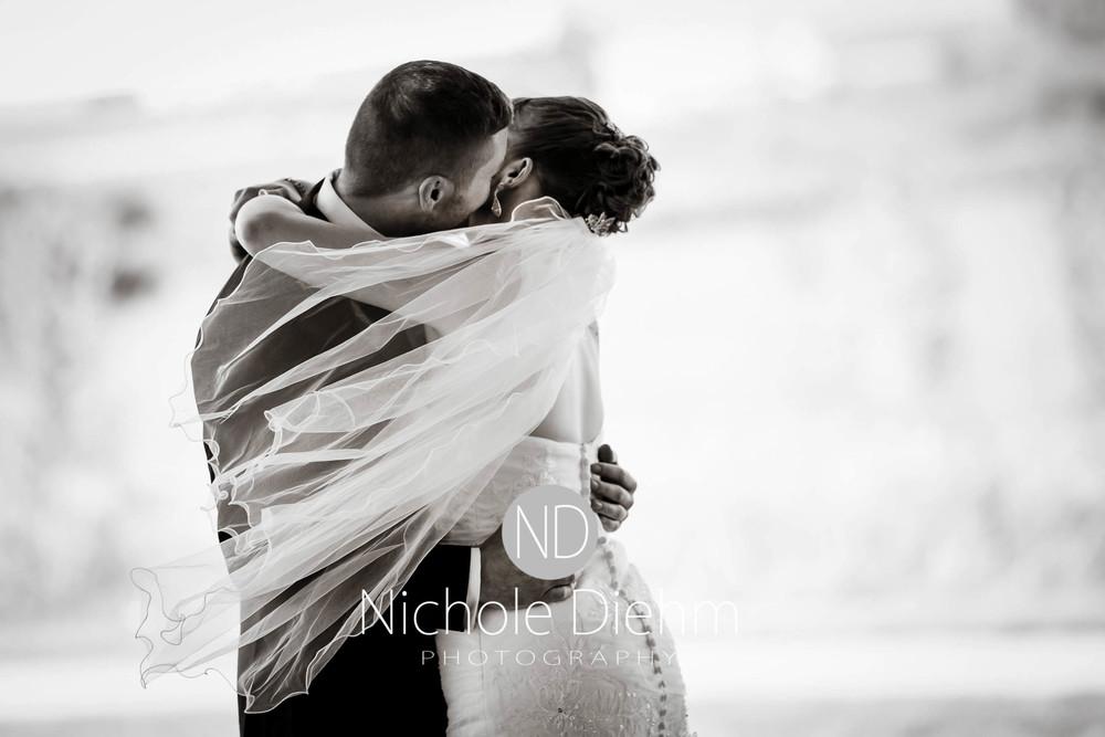Cedar-Falls-Wedding-Photography-110.jpg