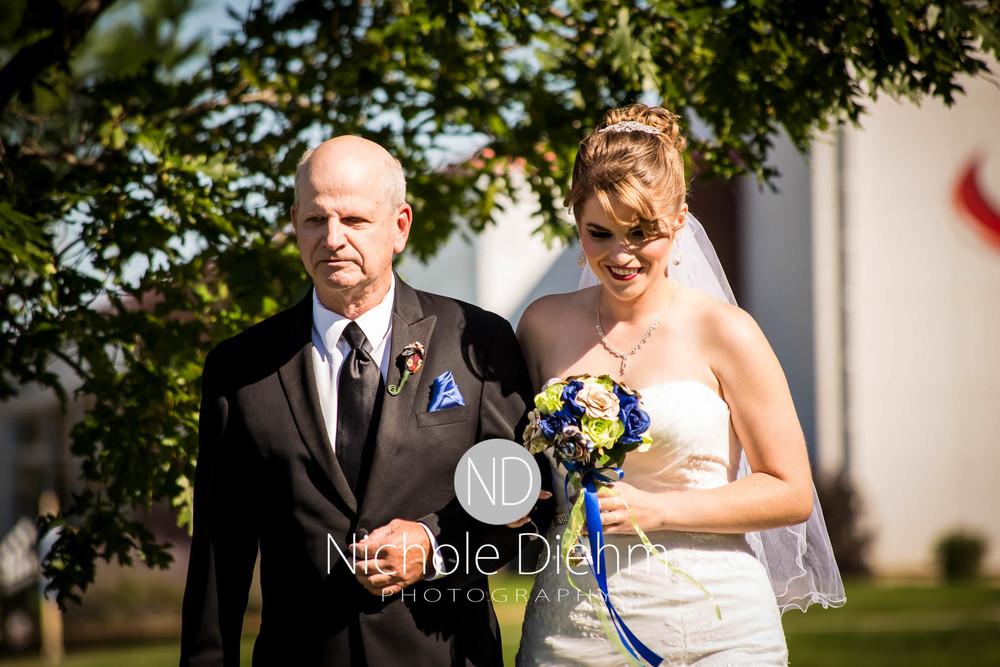 Cedar-Falls-Wedding-Photography-140.jpg