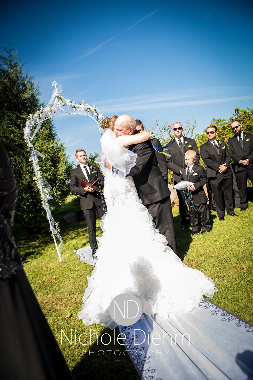 Cedar-Falls-Wedding-Photography-144.jpg