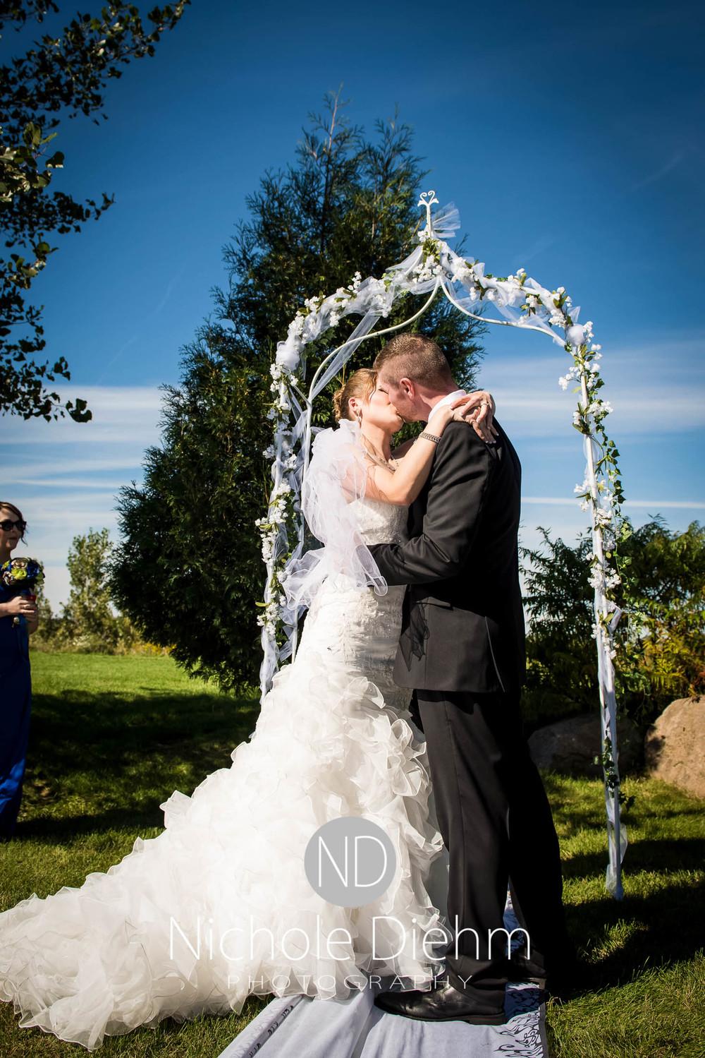 Cedar-Falls-Wedding-Photography-163.jpg