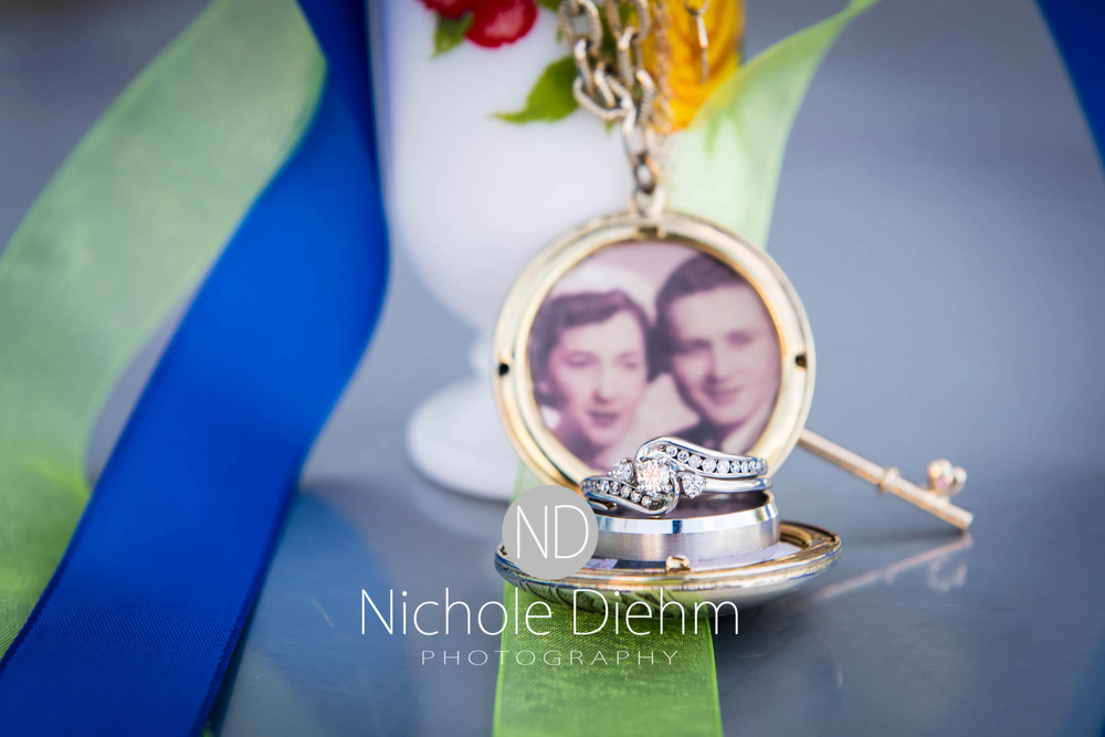 Cedar-Falls-Wedding-Photography-177.jpg