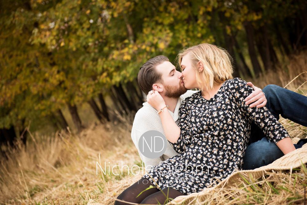 Cedar Falls Engagement Photography Chelsey & Derek-3.jpg
