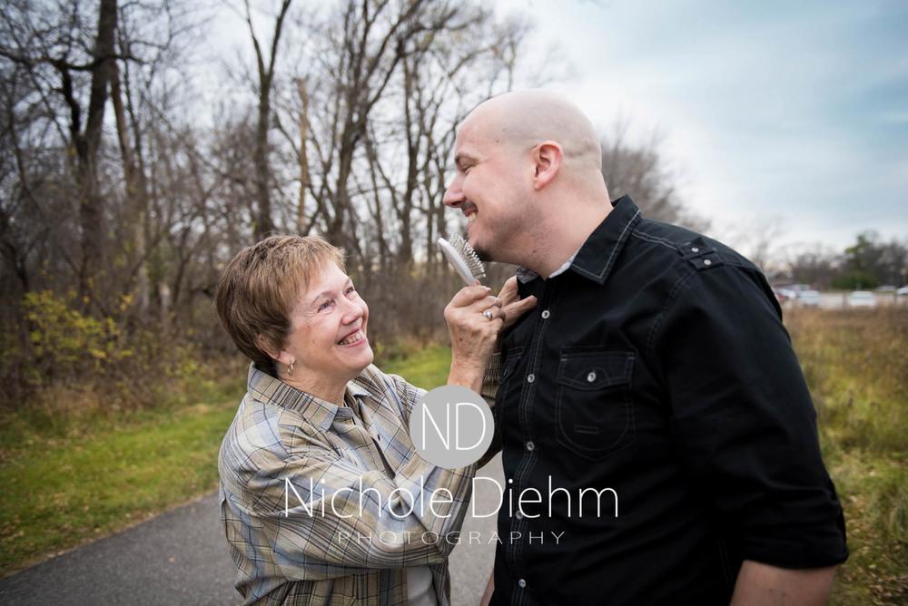 Nichole Diehm Photography Family Photographer Cedar Falls Gidley-18.jpg