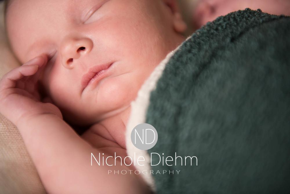 Baby_Photography_Cedar_Falls_Iowa_Benjamin104.jpg