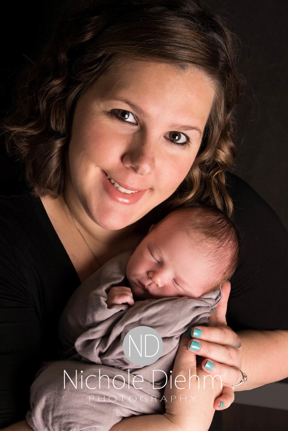 Baby_Photography_Cedar_Falls_Iowa_Benjamin110.jpg