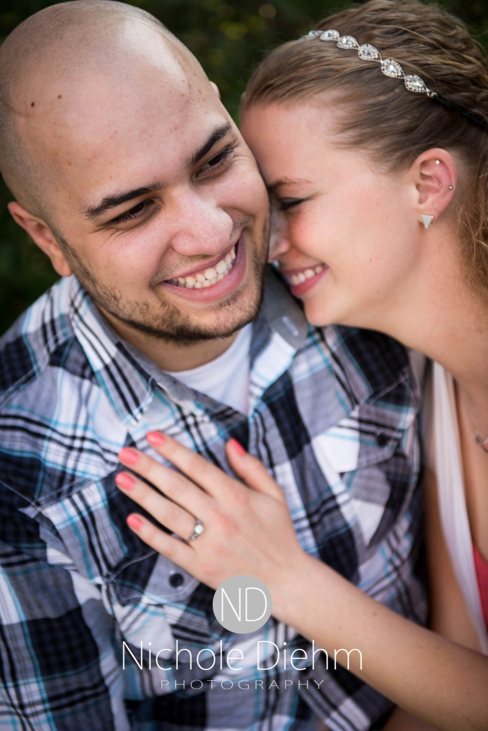 Engagement-photographer-UNI-Cedar-Falls-Iowa-103.jpg