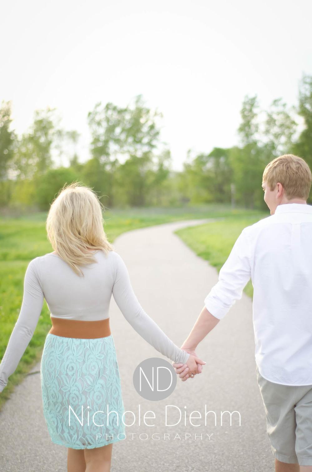 Engagement_Photography_Cedar_Falls_Iowa_Casie_Kelli100-9.jpg