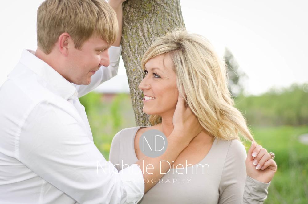 Engagement_Photography_Cedar_Falls_Iowa_Casie_Kelli101-2.jpg