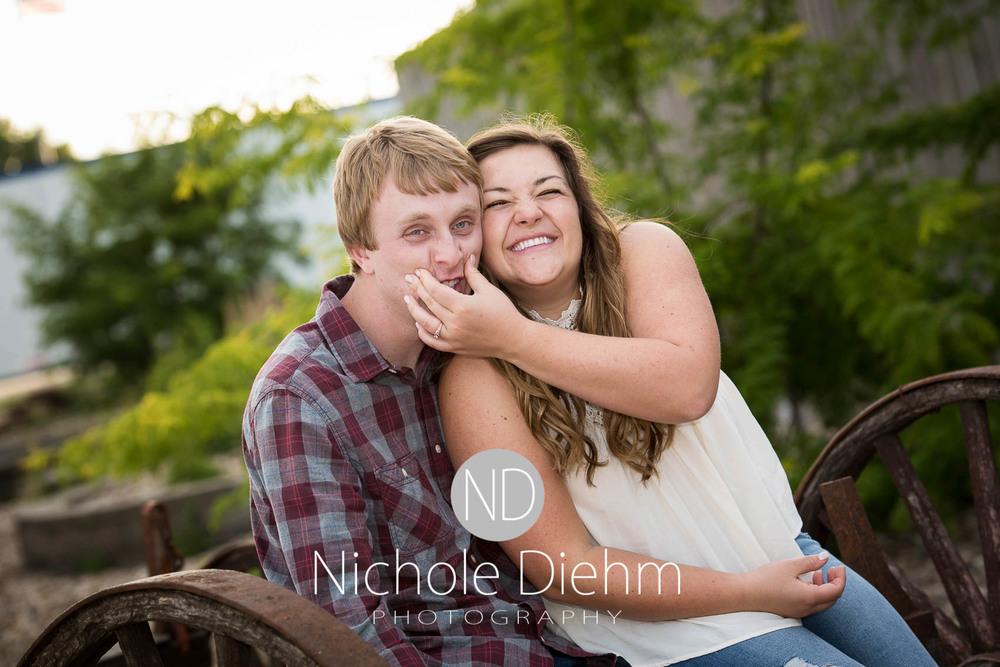 Engagement_Wedding_Photography_Hartley_Iowa_Emily_Jordy_Cedar_Falls_Iowa198.jpg