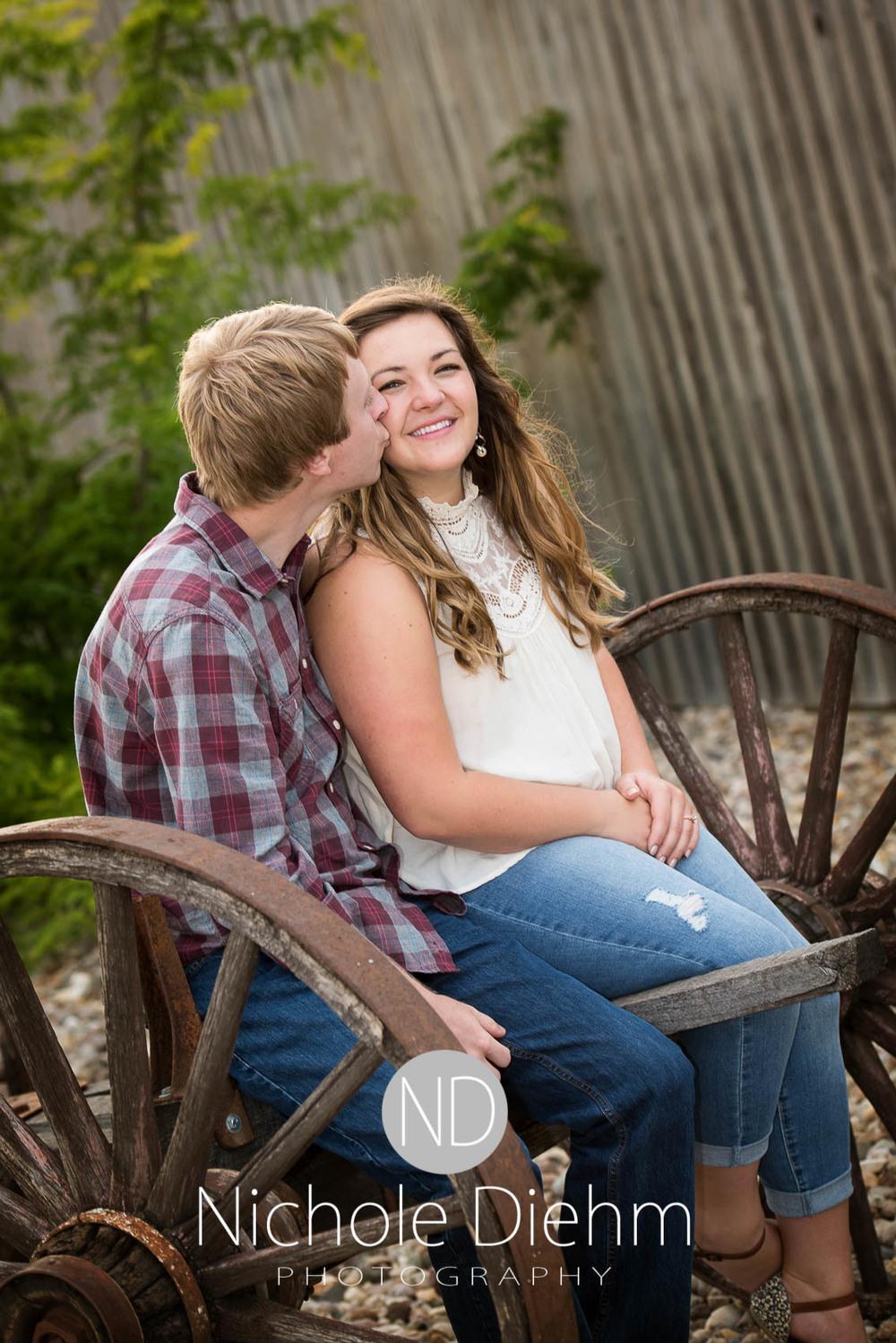 Engagement_Wedding_Photography_Hartley_Iowa_Emily_Jordy_Cedar_Falls_Iowa210.jpg