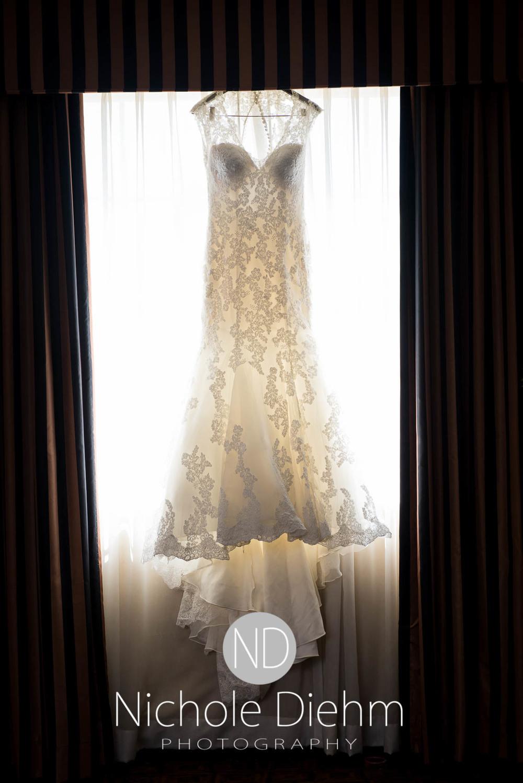 Katie-Schneider-Sam-Kelly-Wedding-Cedar-Falls-Iowa-Photographer-Nichole-Diehm-Photography-St.Stephens-Electric-Park-Ballroom-UNI105.jpg