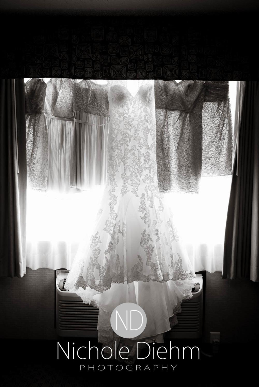 Katie-Schneider-Sam-Kelly-Wedding-Cedar-Falls-Iowa-Photographer-Nichole-Diehm-Photography-St.Stephens-Electric-Park-Ballroom-UNI368.jpg