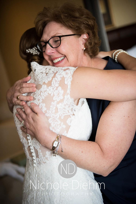 Katie-Schneider-Sam-Kelly-Wedding-Cedar-Falls-Iowa-Photographer-Nichole-Diehm-Photography-St.Stephens-Electric-Park-Ballroom-UNI402.jpg