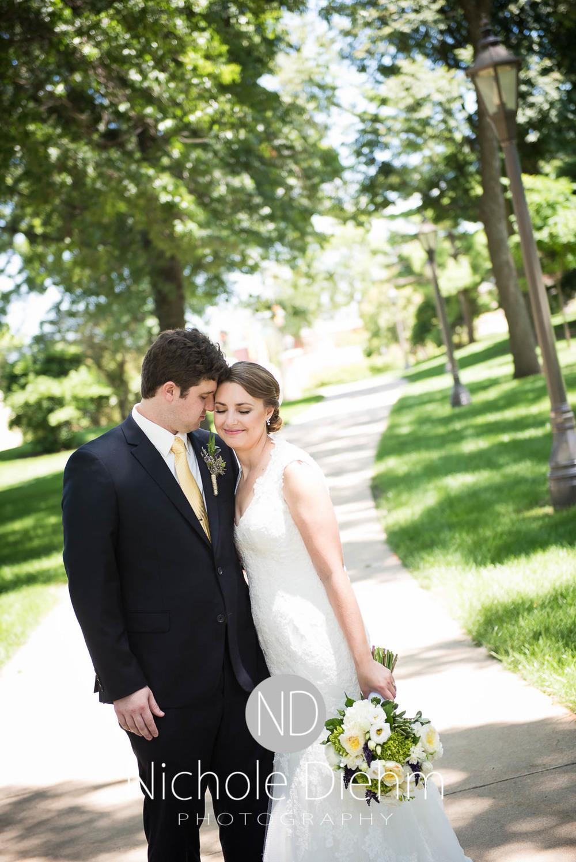 Katie-Schneider-Sam-Kelly-Wedding-Cedar-Falls-Iowa-Photographer-Nichole-Diehm-Photography-St.Stephens-Electric-Park-Ballroom-UNI1000.jpg