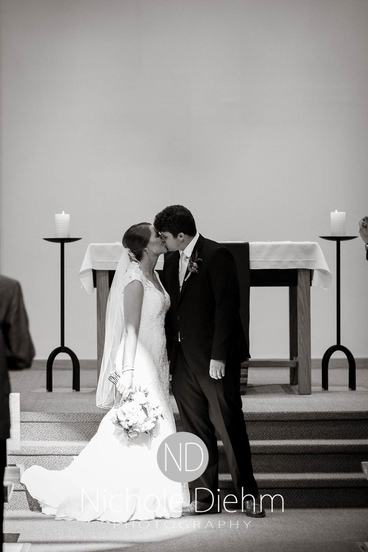 Katie-Schneider-Sam-Kelly-Wedding-Cedar-Falls-Iowa-Photographer-Nichole-Diehm-Photography-St.Stephens-Electric-Park-Ballroom-UNI262.jpg