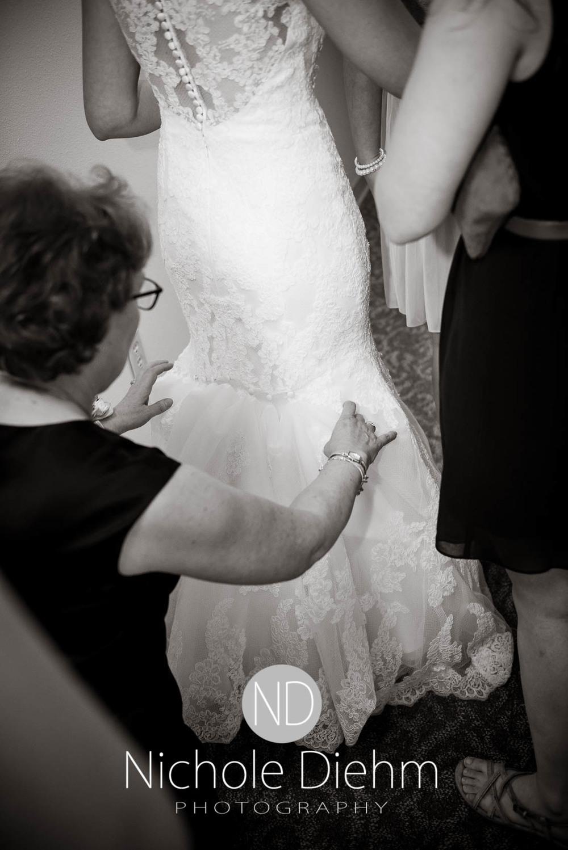 Katie-Schneider-Sam-Kelly-Wedding-Cedar-Falls-Iowa-Photographer-Nichole-Diehm-Photography-St.Stephens-Electric-Park-Ballroom-UNI1015.jpg