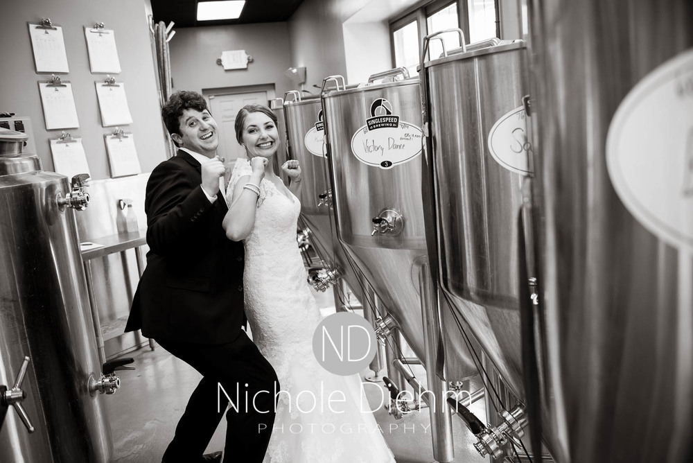 Katie-Schneider-Sam-Kelly-Wedding-Cedar-Falls-Iowa-Photographer-Nichole-Diehm-Photography-St.Stephens-Electric-Park-Ballroom-UNI1020.jpg