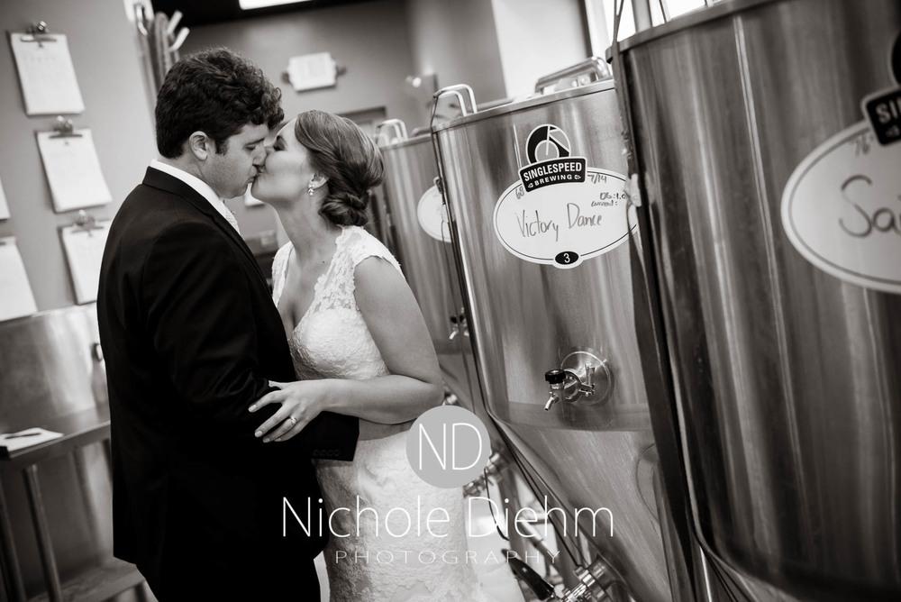 Katie-Schneider-Sam-Kelly-Wedding-Cedar-Falls-Iowa-Photographer-Nichole-Diehm-Photography-St.Stephens-Electric-Park-Ballroom-UNI1021.jpg