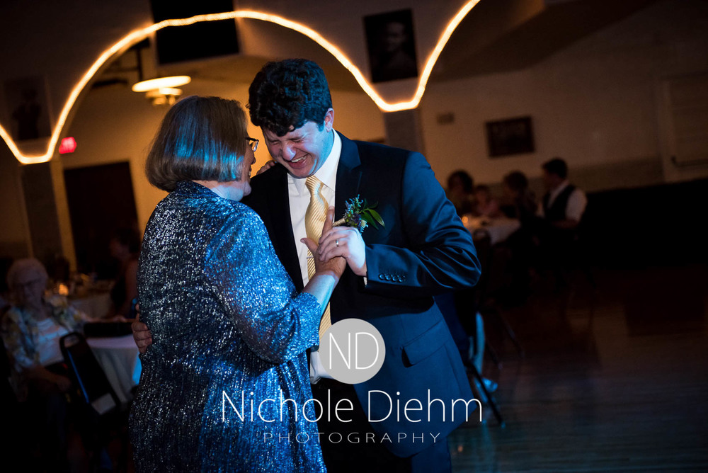 Katie-Schneider-Sam-Kelly-Wedding-Cedar-Falls-Iowa-Photographer-Nichole-Diehm-Photography-St.Stephens-Electric-Park-Ballroom-UNI1067.jpg