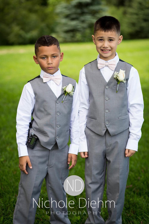 Cedar_Valley_Wedding_Photographer_Cordell_Niki_Marshalltown_2016251.jpg