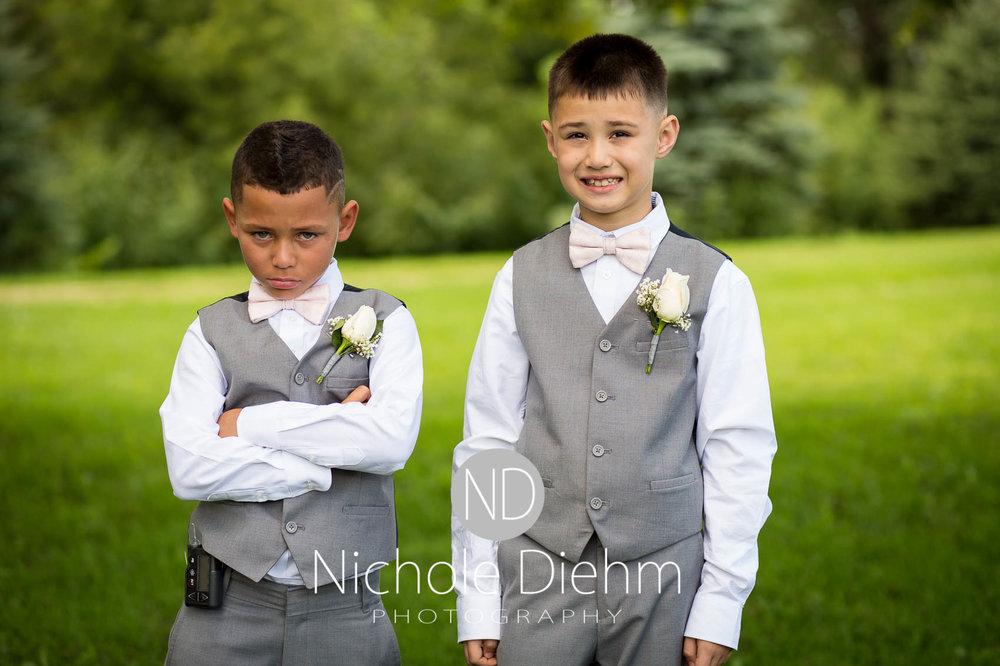 Cedar_Valley_Wedding_Photographer_Cordell_Niki_Marshalltown_2016252.jpg
