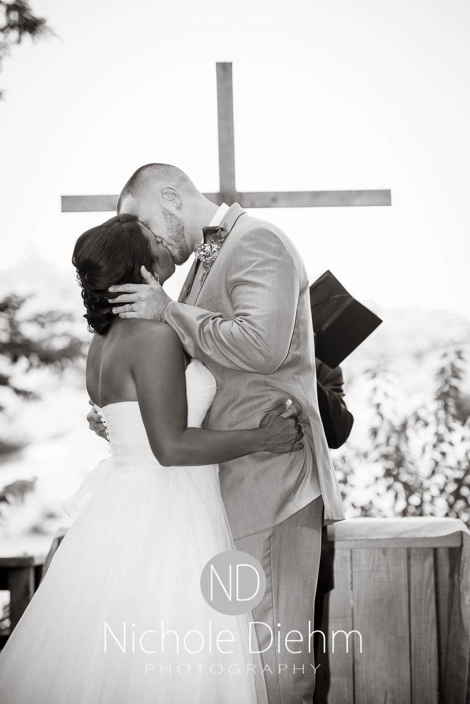 Cedar_Valley_Wedding_Photographer_Cordell_Niki_Marshalltown_2016517.jpg