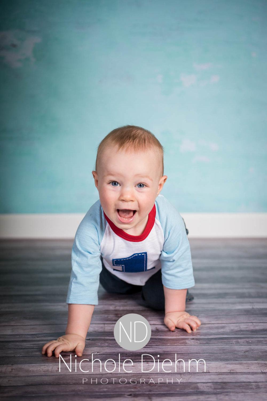Cedar-Falls-Photographer-Nichole-Diehm-Baby-Rylan-1-year101.jpg