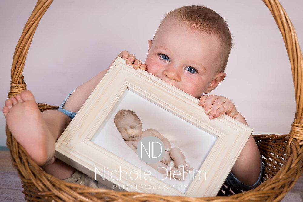Cedar-Falls-Photographer-Nichole-Diehm-Baby-Rylan-1-year102.jpg