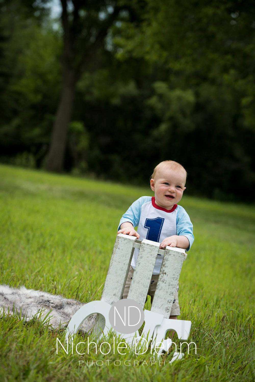 Cedar-Falls-Photographer-Nichole-Diehm-Baby-Rylan-1-year103.jpg