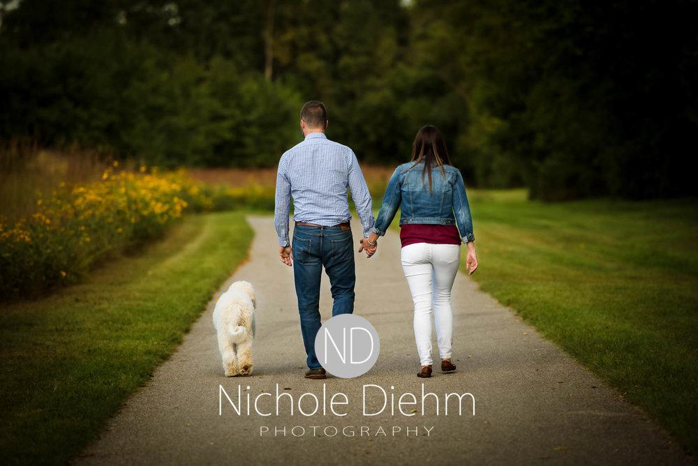 Nichole-Diehm-Photography-Cedar-Falls-Zach-Jess-September-Fall-Big-Woods120.jpg
