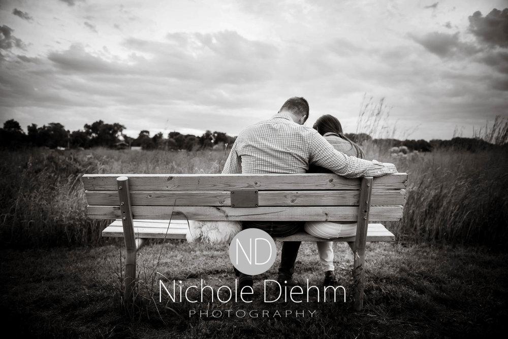 Nichole-Diehm-Photography-Cedar-Falls-Zach-Jess-September-Fall-Big-Woods124.jpg